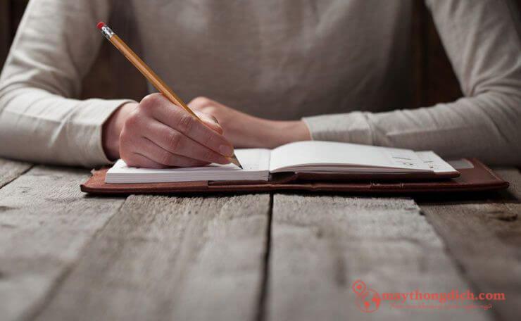 Tập viết thường xuyên những đoạn Essay ngắn
