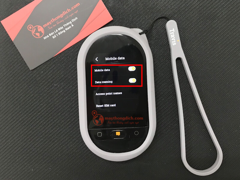 Bật cả hai nút mobile data để sử dụng máy travis Touch
