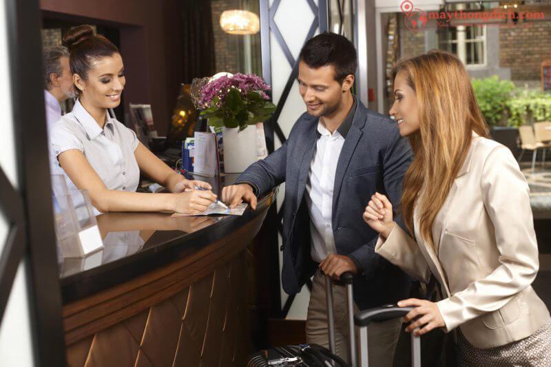 Giao tiếp tiếng Anh du lịch khi check out khách sạn