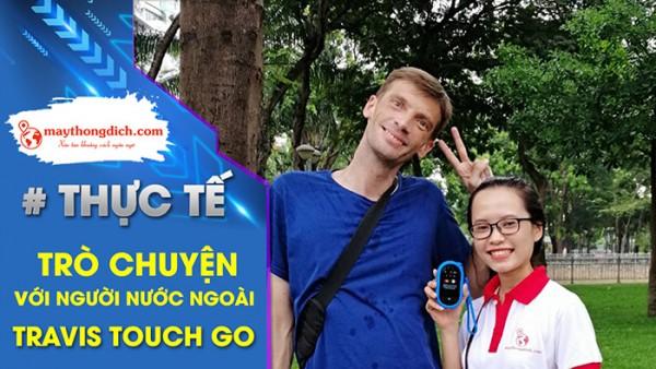 Dùng Máy Phiên Dịch Travis Touch Go 2020 nói chuyện với khách du lịch Ý
